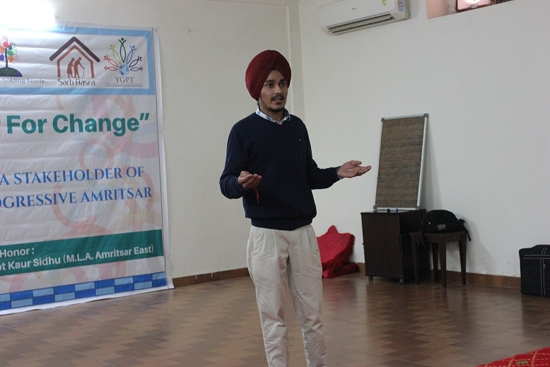 Inderpreet Singh, founder of SPEEE, giving a speech. Photo: Simrandeep Kaur